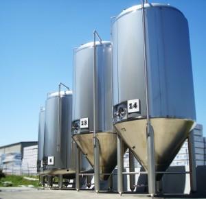Beer Fermenters - DSC07807-large fermenter