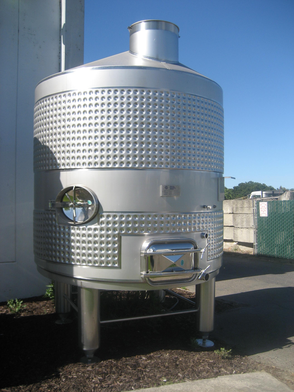 Flat sloped bottom stainless steel fermentation tanks
